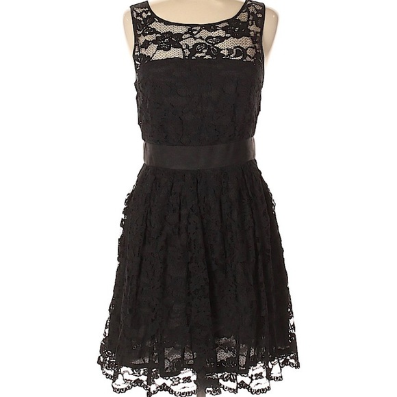 BB Dakota Dresses & Skirts - Black Lacy Cocktail / Party Dress